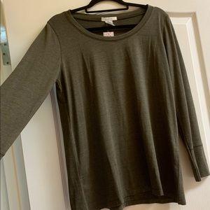 Everly Grey moss green long sleeve tee top size XL